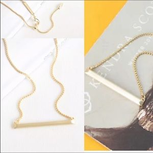 Kendra Scott Pendant Necklace in Gold